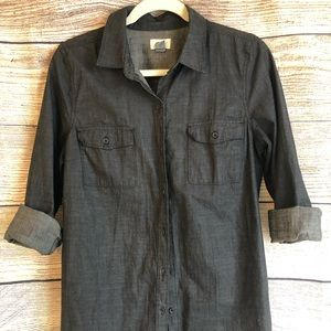 OLD NAVY Slate Gray Chambray Button Down. EUC